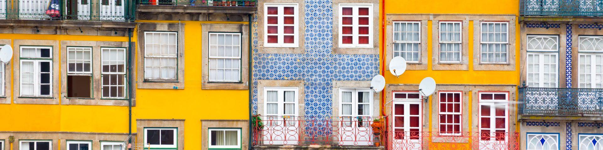 arquitectura de casas no porto no rio Douro