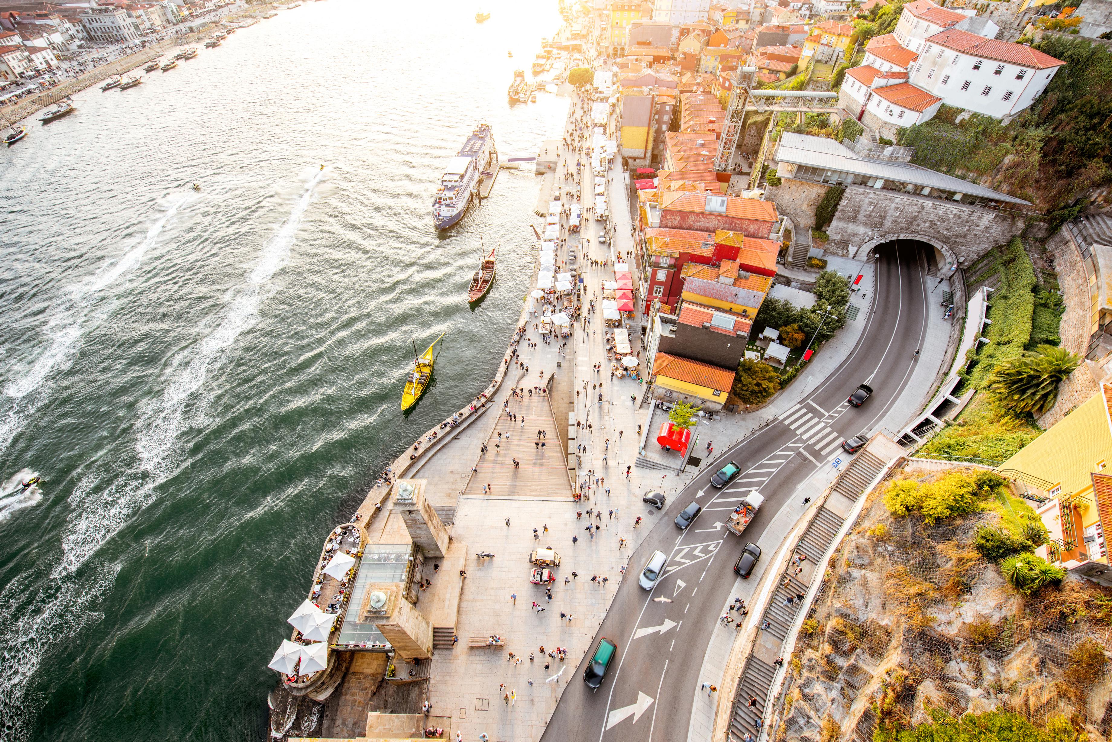 ilustração de vista da ribeira do porto