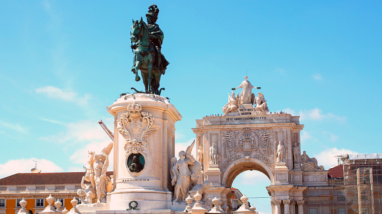 Lisbon the most booked european country